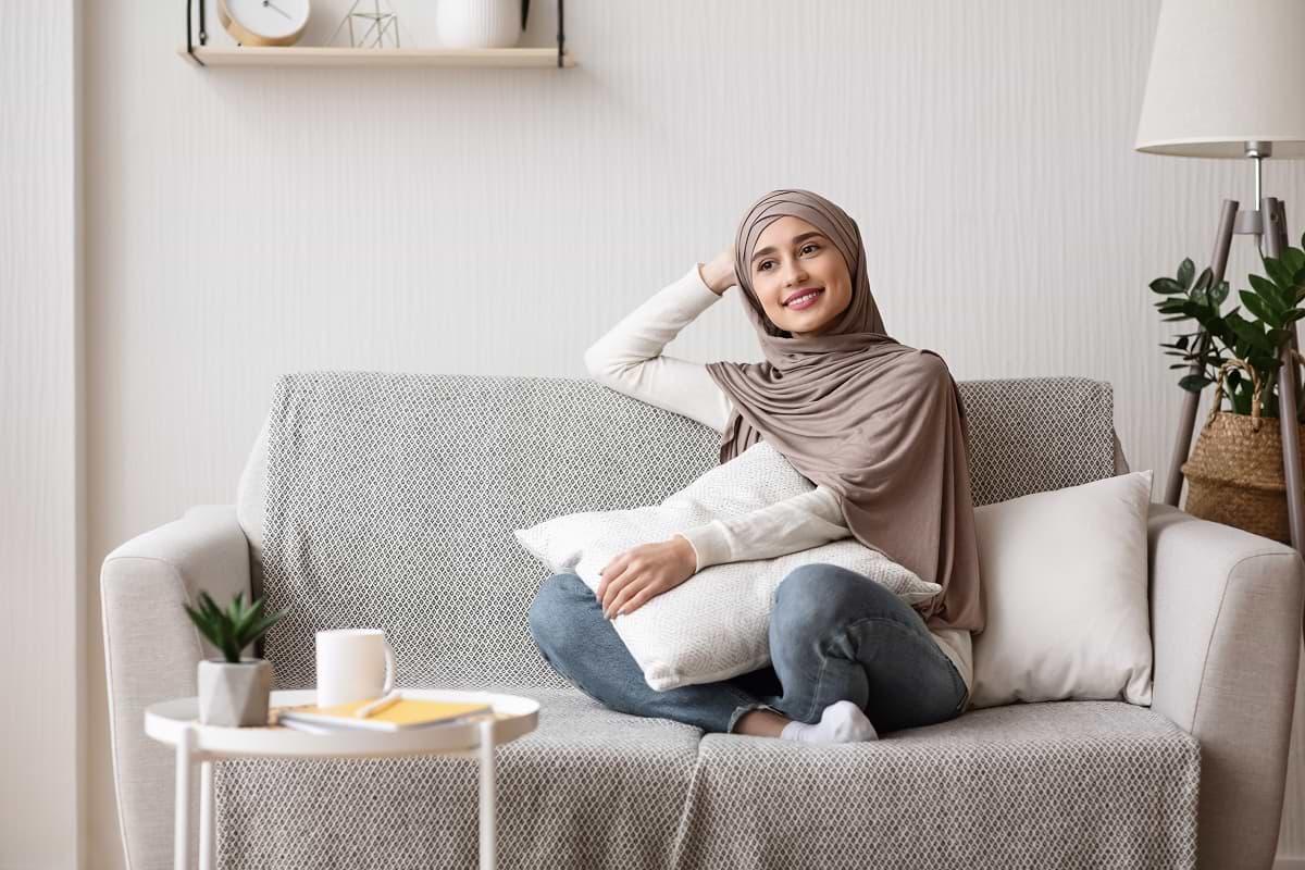 Andalan-News-Gadis arab-santai-dalam-duduk
